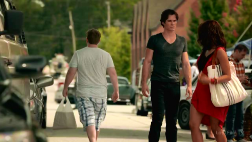 TheVampireDiaries.E01.WEB-DLRip.MP4.ripbyAssassinsCreed.mp4_snapshot_21.40_2015.11.01_20.08.30.png